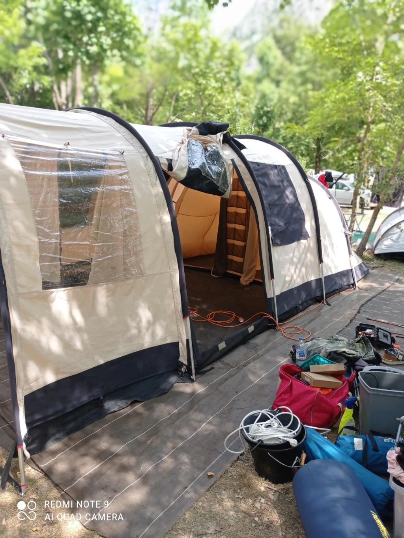 Choix tente 5 places - petit budget Img_2012