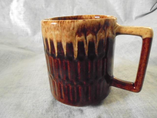 Crown Lynn cup, wine jug and sips, lidded pot Dsc03823