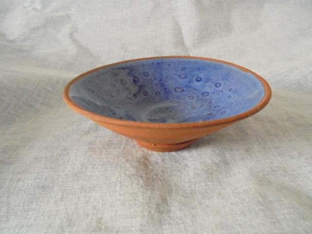 Crown Lynn cup, wine jug and sips, lidded pot Dsc04424