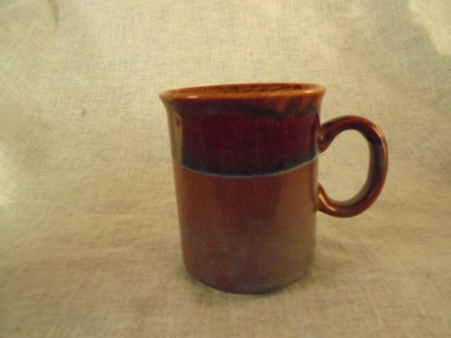 Crown Lynn cup, wine jug and sips, lidded pot Dsc04734
