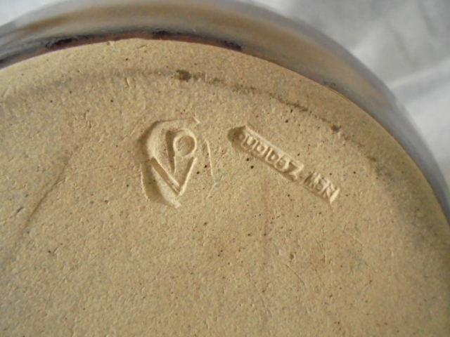 Burnay Pottery stamp (Peter & Trudes Vendelbosch) for the Gallery Dsc04920