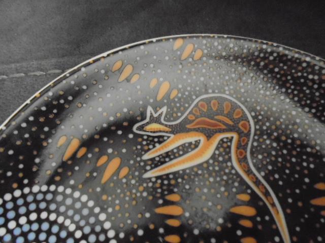plate - Tobwabba Art - Plate with Aboriginal art Dsc06328