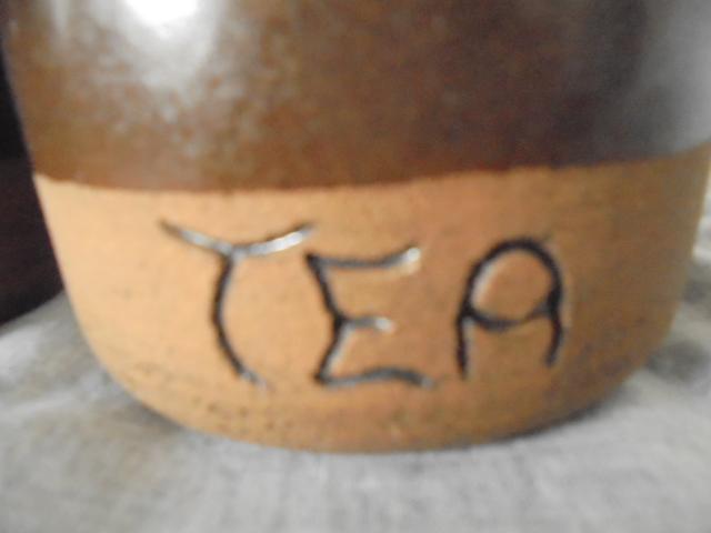 Spaghetti jar and Crown Lynn Dsc06536