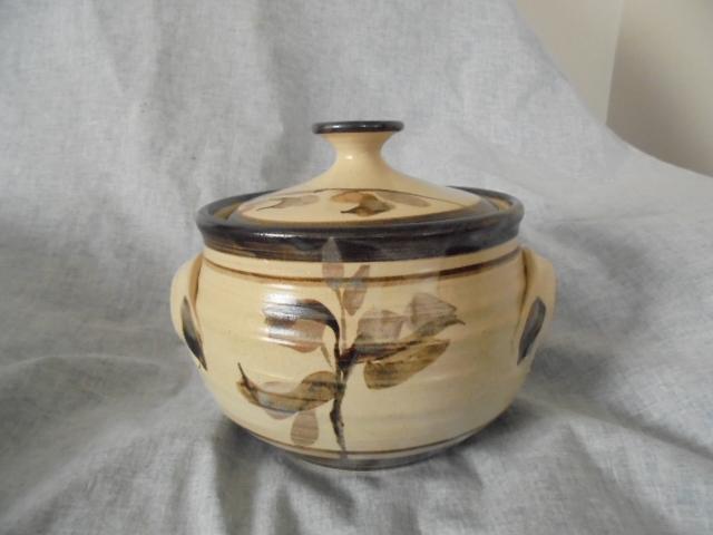 Spaghetti jar and Crown Lynn Dsc06610