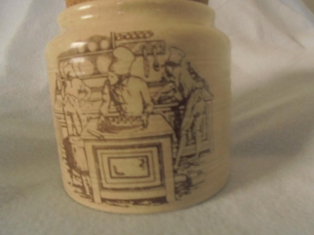 Spaghetti jar and Crown Lynn - Page 2 Dsc07212