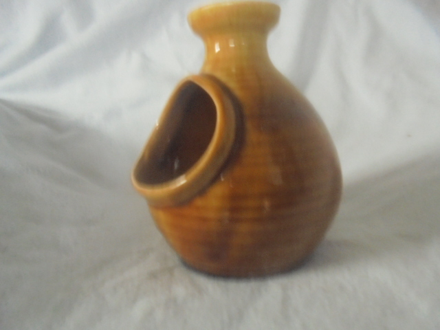 Crown Lynn cup, wine jug and sips, lidded pot Dsc07319