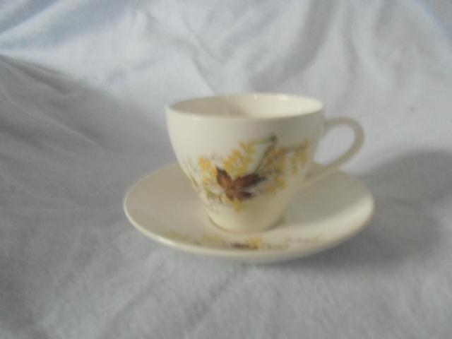 Crown Lynn cup, wine jug and sips, lidded pot Dsc07320