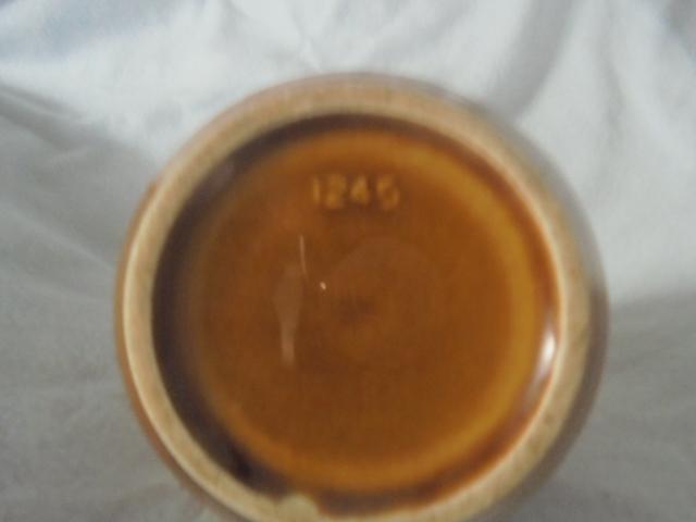 Crown Lynn cup, wine jug and sips, lidded pot Dsc07410