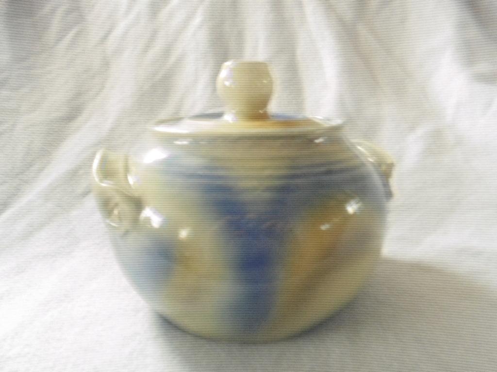 Crown Lynn cup, wine jug and sips, lidded pot - Page 2 Dsc07616