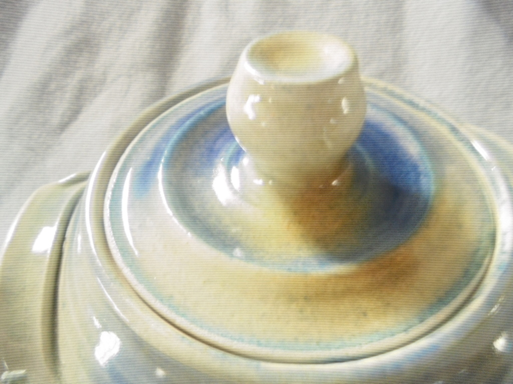 Crown Lynn cup, wine jug and sips, lidded pot - Page 2 Dsc07618
