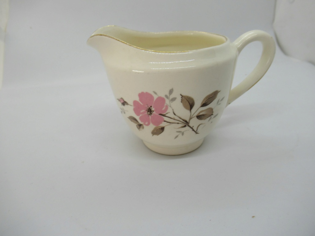 Kelston Pottery - Little (11 cm) floral dish (pin dish?) Img_2510