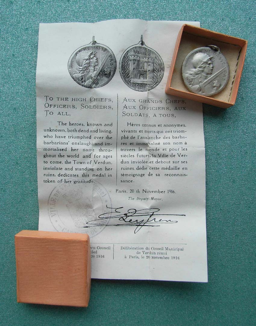 Médaille Verdun en argent 0413