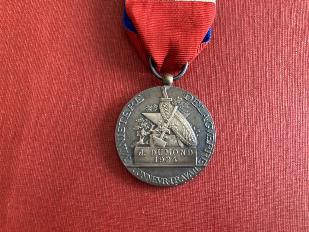 1ère bourse de l'après confinement, des médailles et agraphes 28346710