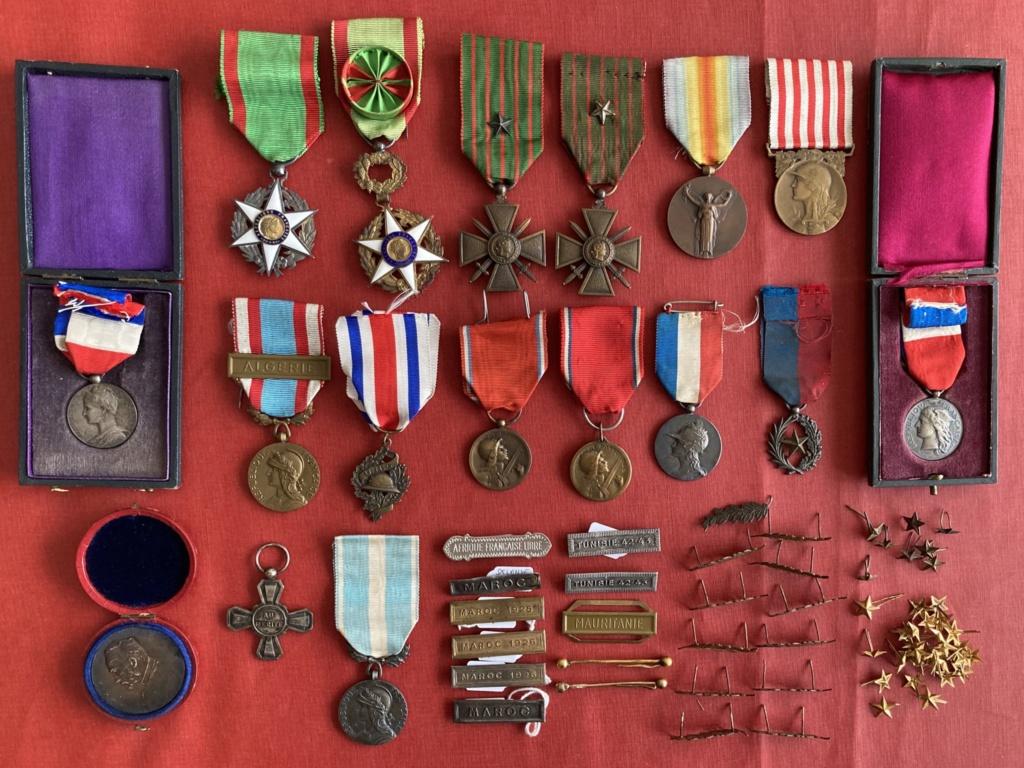 1ère bourse de l'après confinement, des médailles et agraphes 49a41610