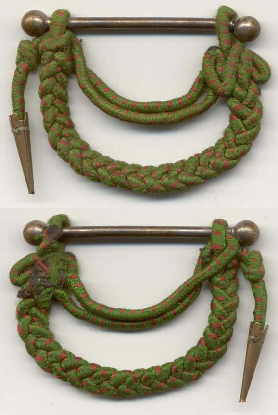 À identifier soldat fourragère avec insigne tête de loup ou chien, bottes lacées - Page 3 Cdg_1415