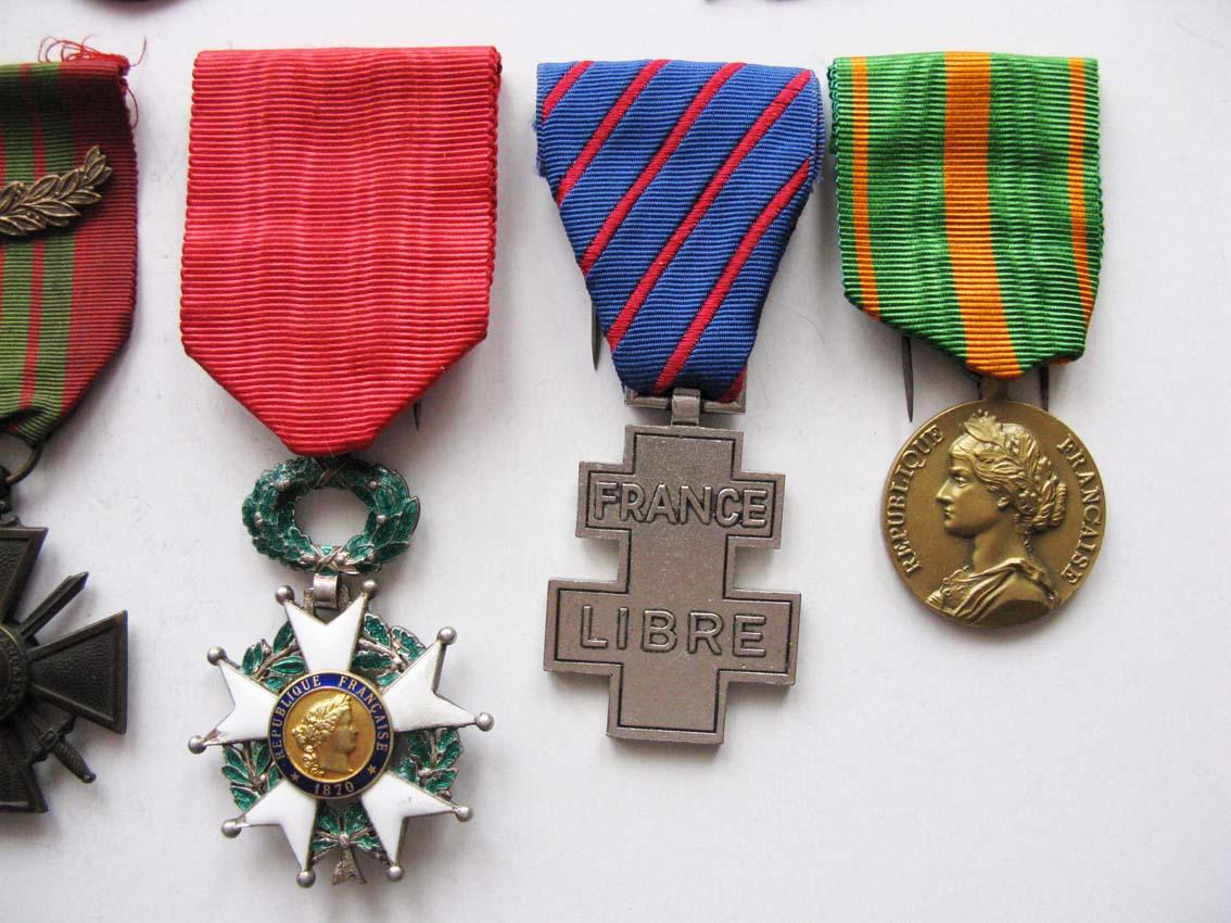 Médailles et agrafes françaises à l'échange Img_2115