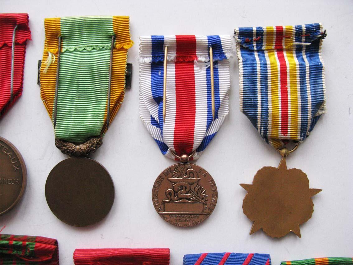 Médailles et agrafes françaises à l'échange Img_2117
