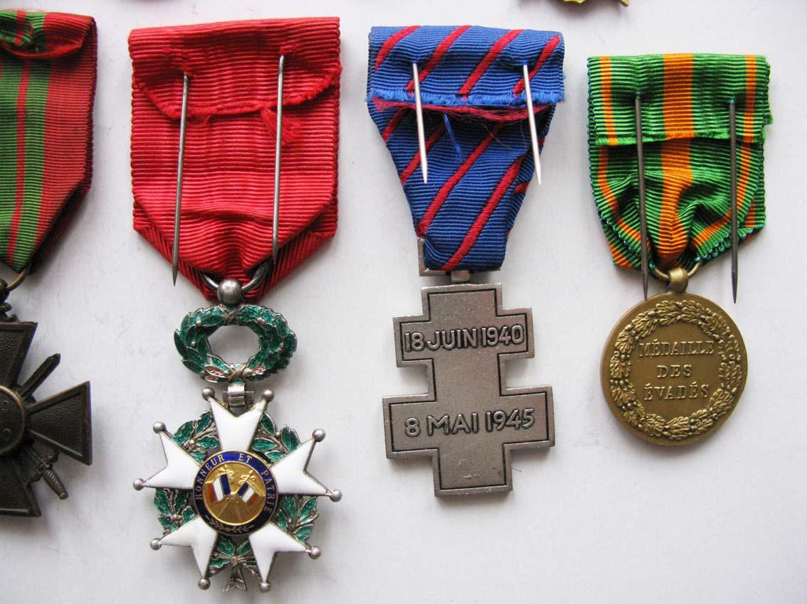 Médailles et agrafes françaises à l'échange Img_2119