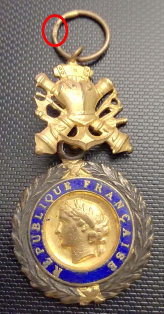 Médailles et insignes  Img_2310