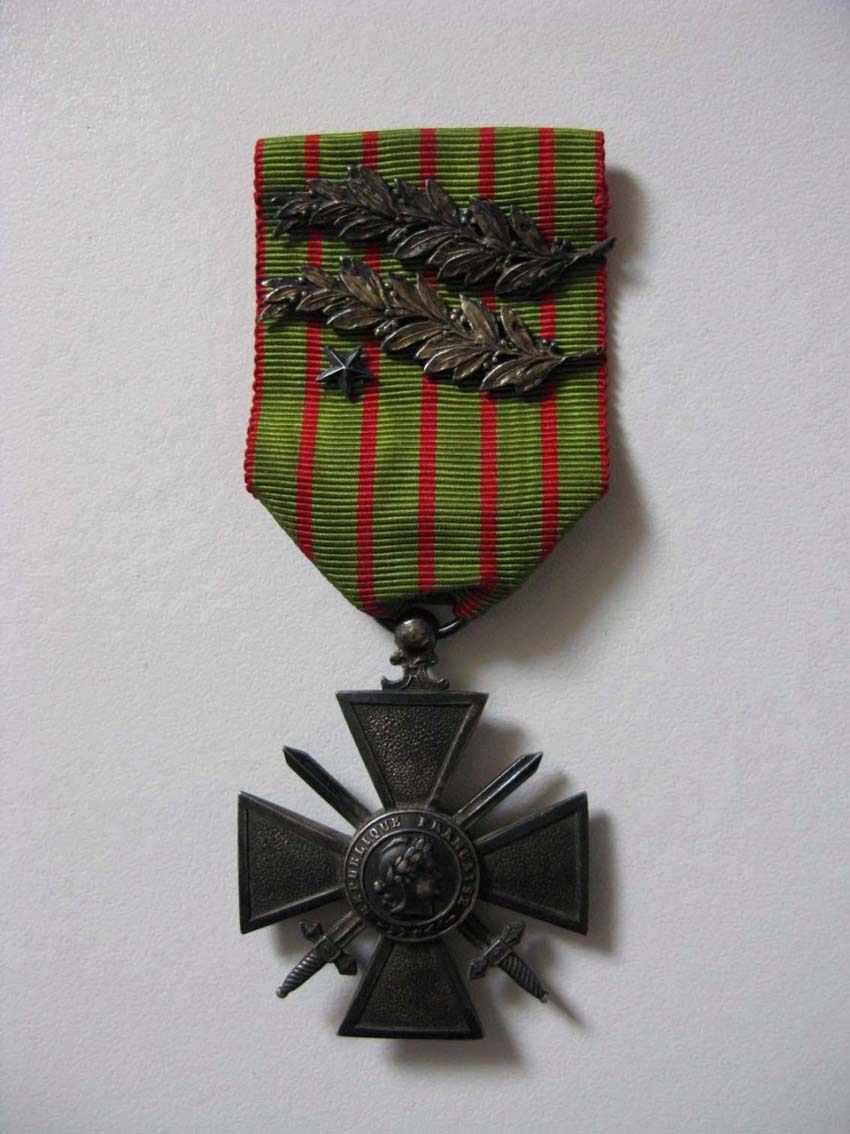 Question Croix de Guerre : citation à l'ordre de l'armée palme argent Img_2818