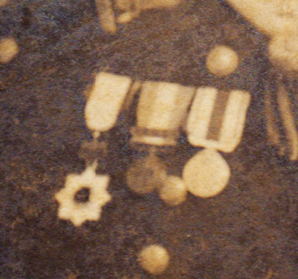 1917 Photo Officier de la marine Japonaise avec Kyu Gunto et médailles Photo_14