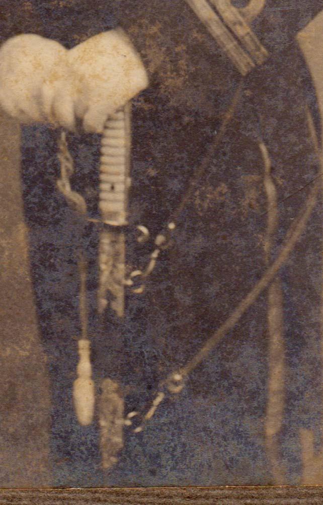 1917 Photo Officier de la marine Japonaise avec Kyu Gunto et médailles Sans_t57