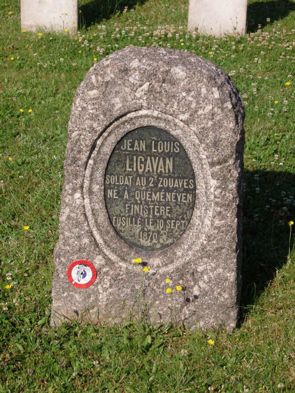 A IDENTIFIER plaque SOUVENIR FRANCAIS Tombe_10