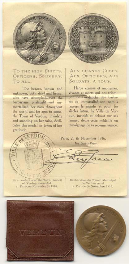 Médaille de Verdun : pochette et notice ! Vernie17