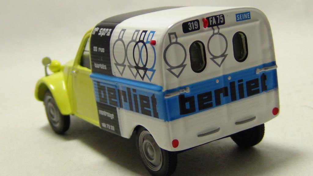"""N°00 - cadeau 4 Citroen 2cv Fourgonnette """"Berliet"""" Hachet12"""