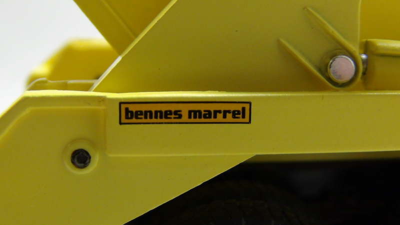 """N°15 - Berliet GLM 12 6x4 1965 """"Multi-benne Marrel"""" N15_be12"""