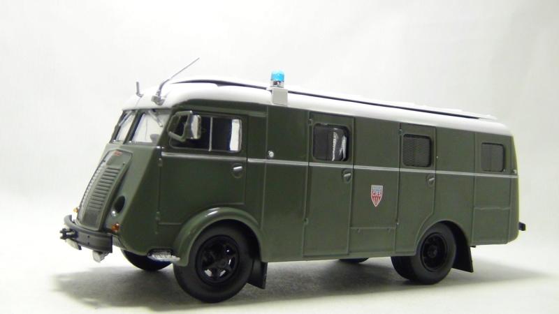 N°16- Berliet GLB R 19 Aérazur Car de commandement C.R.S - Page 2 N16_be11