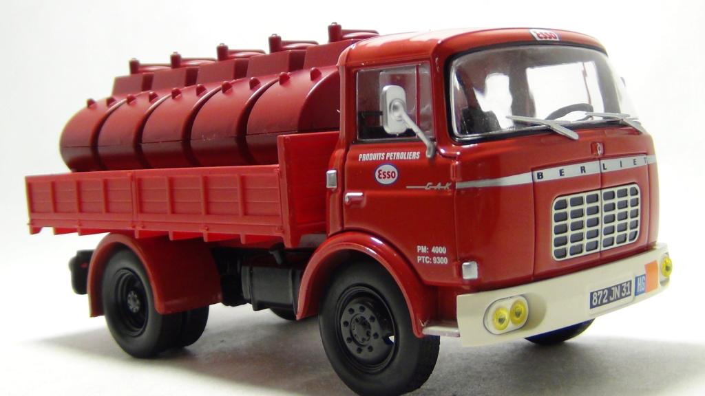 N°18 Berliet  GAK 5 Citerne essence  N18_be12
