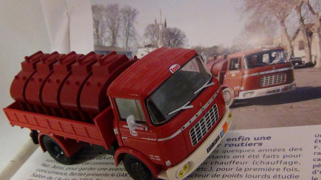 N°18 Berliet  GAK 5 Citerne essence  N18_be13