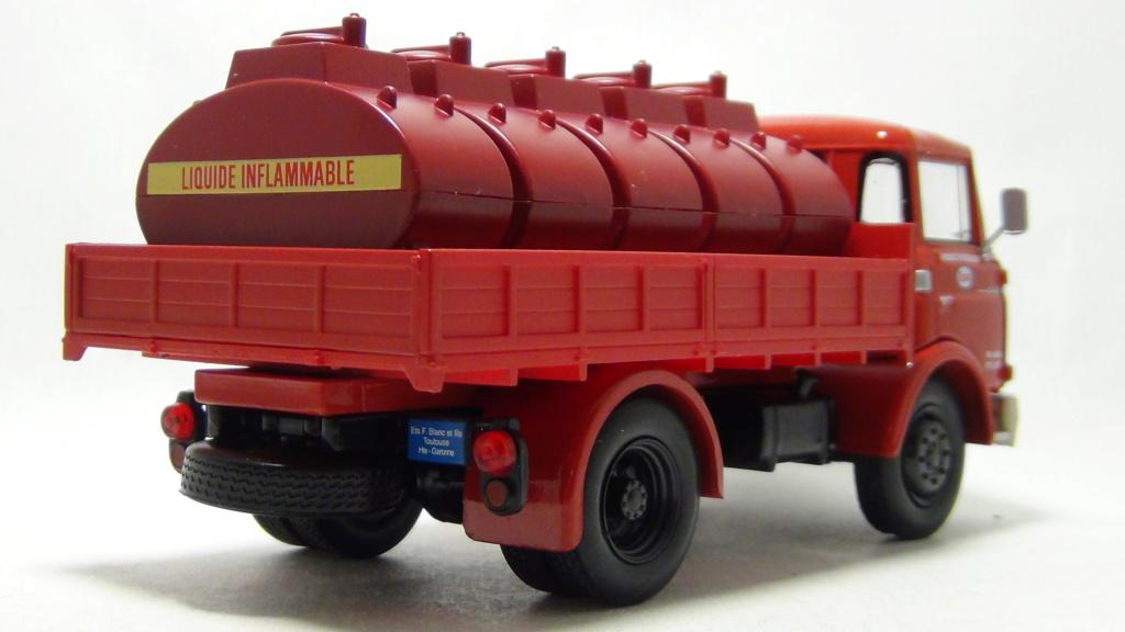 N°18 Berliet  GAK 5 Citerne essence  N18_be15