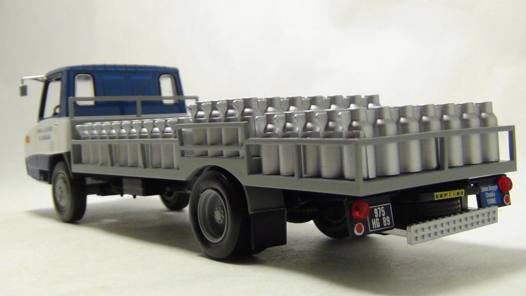 N°19 Berliet Stradair 20 laitier N19_be12