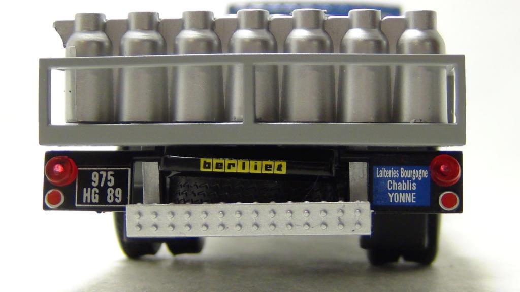 N°19 Berliet Stradair 20 laitier N19_be14