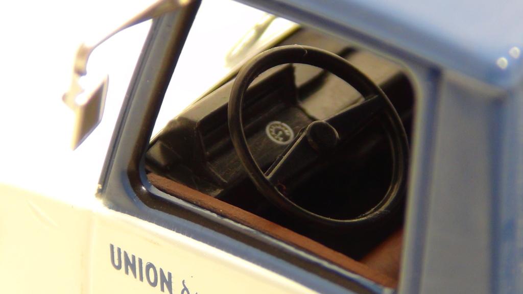 N°19 Berliet Stradair 20 laitier N19_be16