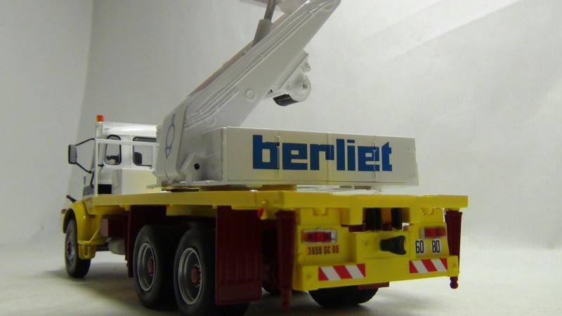 N°23- Berliet GBH 280 6 X 4  Dépanneuse Berliet  1975 / 1986  N23_be13