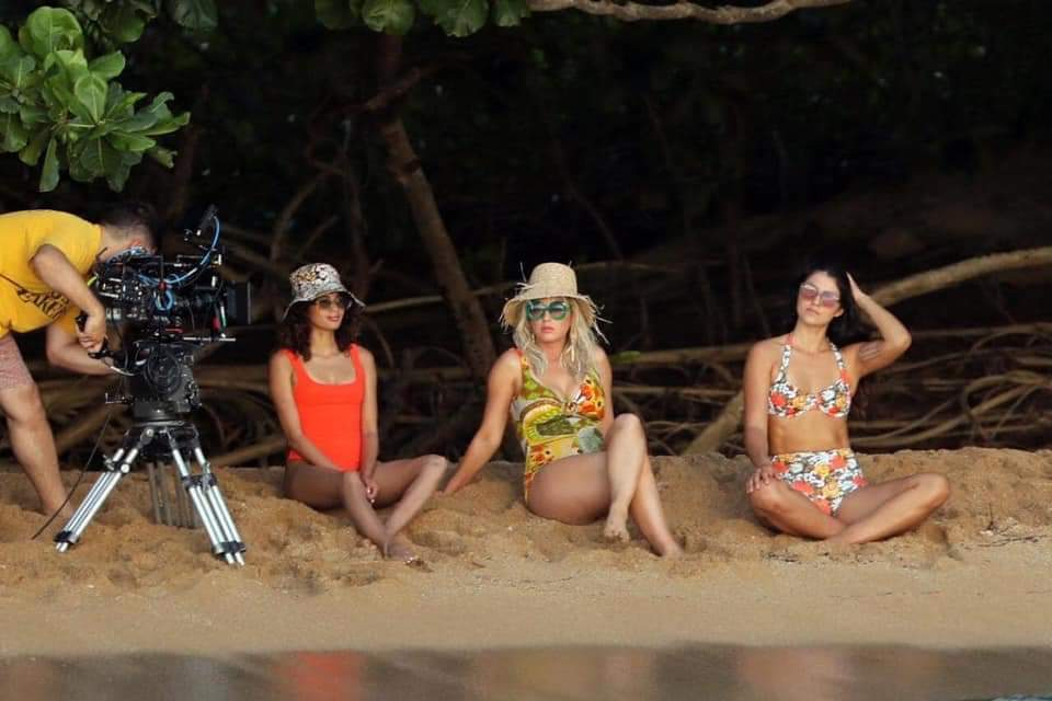"Katy Perry >> single ""Harleys In Hawaii"" [II] - Página 14 Fb_img55"