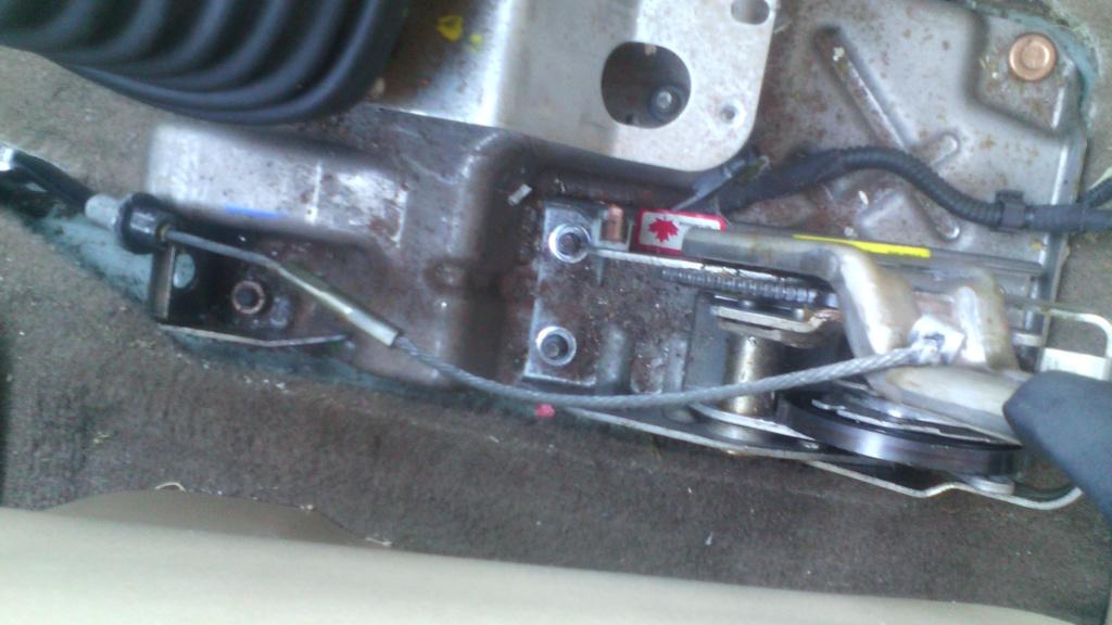 câble de frein à main cassé Img_2010