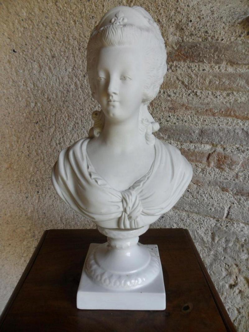 A vendre: bustes Marie Antoinette - Page 8 39762110