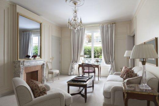 Marie-Antoinette fait salon au Bristol Paris Arton110