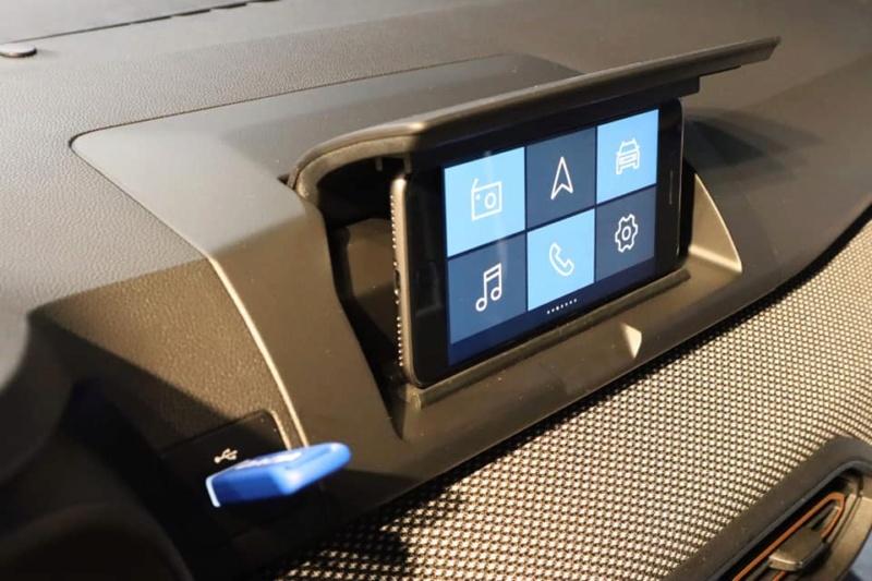 nouveaux systèmes multimedias sur la nouvelle Sandero 3 12045210