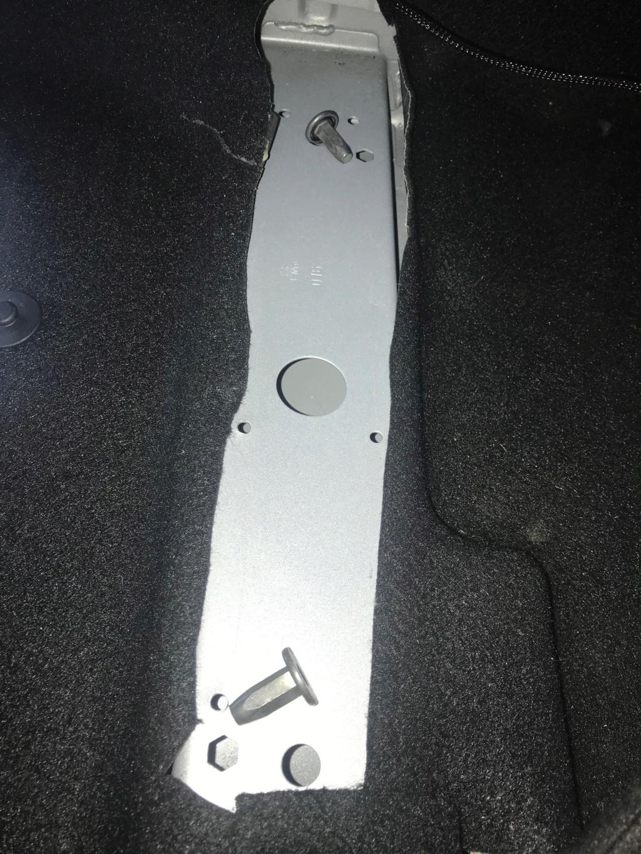 Tiroir de rangement sous le siège conducteur du Duster de 2stair Img_9510
