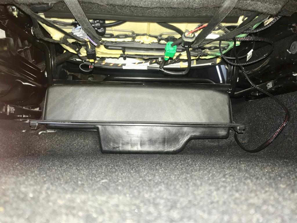 Tiroir de rangement sous le siège conducteur du Duster de 2stair Img_9525