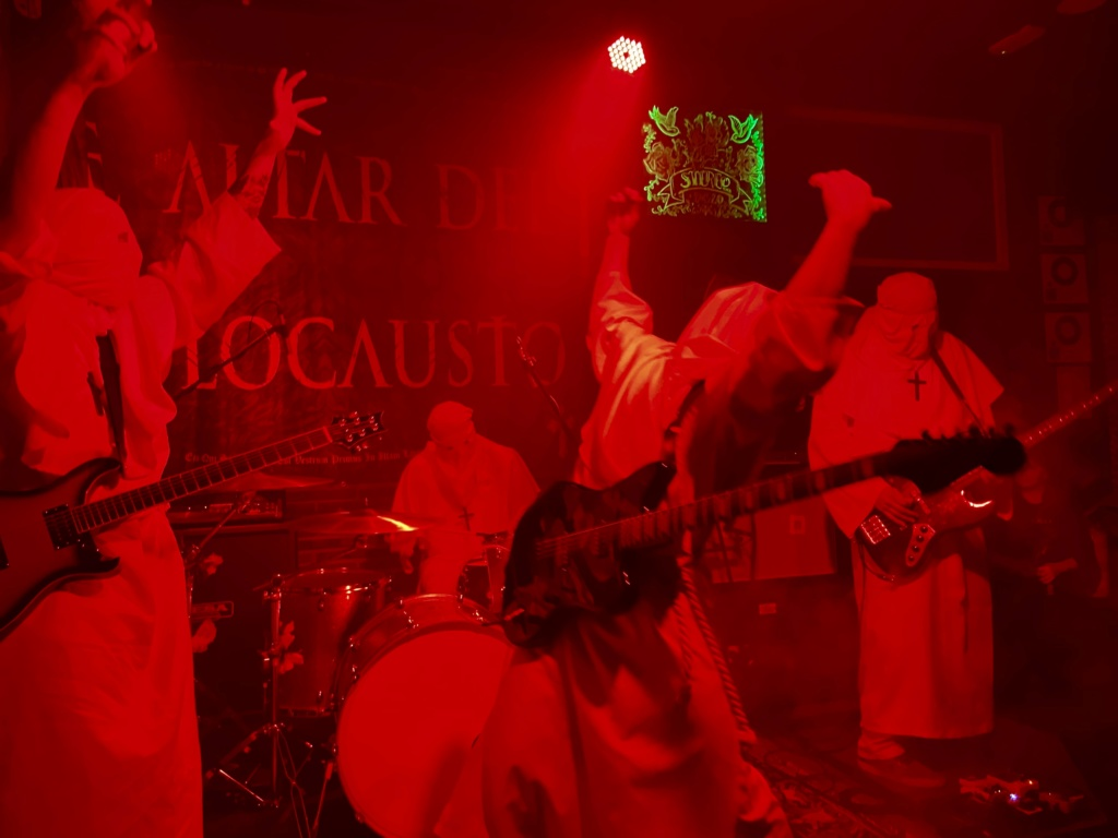 El Altar Del Holocausto: On tour · -I T- TOUR PART II. ✞ EADH ✞ - Página 12 2fd86410