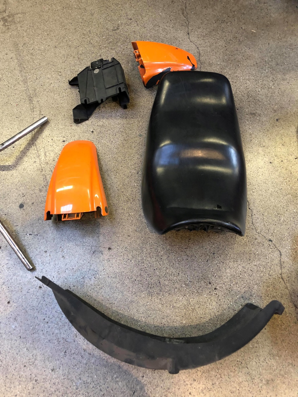 Selling 1990 BMW K75 Parts 69133710