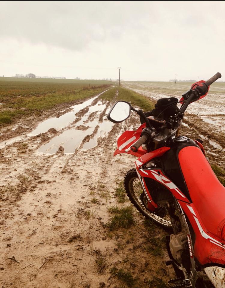 Vos plus belles photos de motos - Page 35 D83c8710