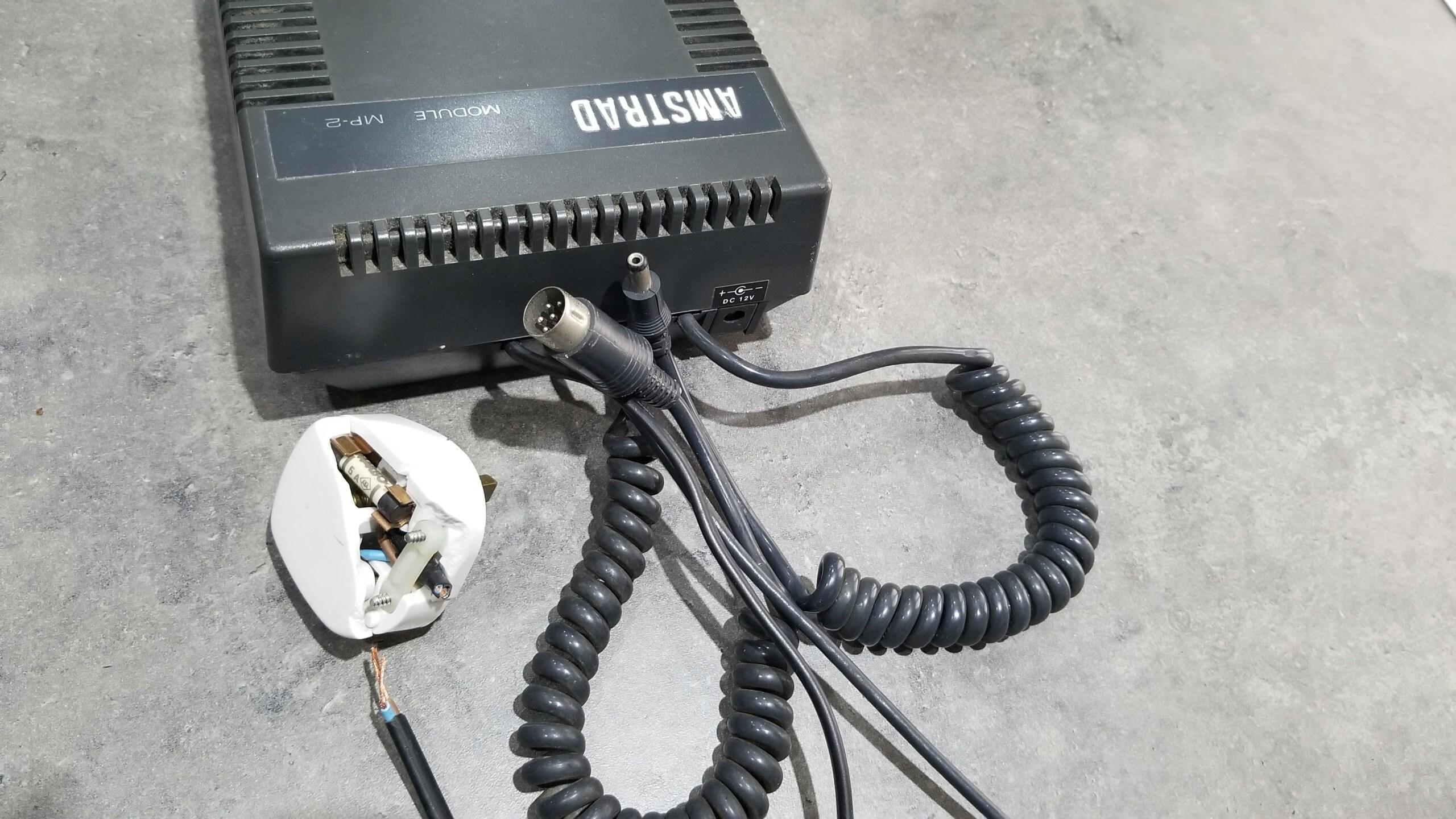 [VDS] Moniteur Amstrad CTM 644, Tuner MP-3 20201210