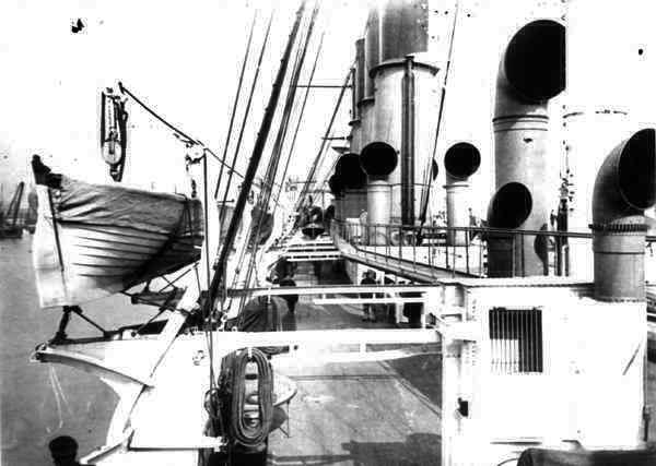 "Geschützter Kreuzer 1. Ranges ""Varyag"" (1901) / Oriel, 1:200 Varyag56"